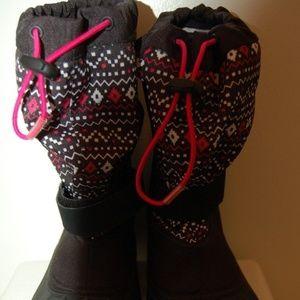 NWOT Columbia Black Winter Boots